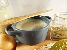 Domowy smalec z cebulką i skwareczkami