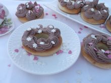 Donuty z piekarnika z kremem śmietankowym