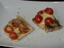 Dorsz z pomidorkami i serem