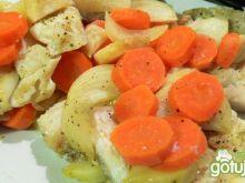 Dorsz z warzywami na parze