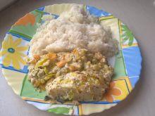 Dorsz zapiekany pod pierzynką z warzyw