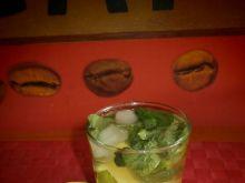 "Drink ""Mojito"" z rumem,miętą i limonką"