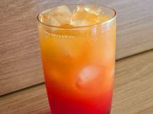 Drink z sokiem pomarańczowym i grenadyną
