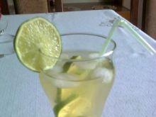 Drink ziołowy z limonką