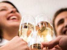 Drinki z szampanem i winem musującym