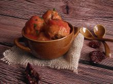 Drobiowe pulpeciki z suszonymi pomidorami w sosie