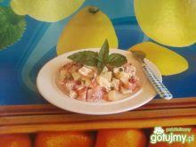 Drobiowo - ananasowa sałatka