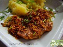 Drobiowy kotlecik w sosie gorczycowym