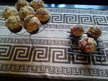 Drożdżowe babeczki z truskawkami i kruszonką