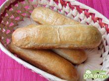 Drożdżowe bułeczki na hot dogi