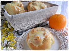 Drożdżowe bułeczki pomarańczowe