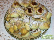 Drożdżowe ciasteczka z dżemem