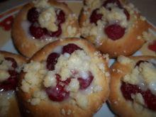 Drożdżowe ciasteczka z malinami