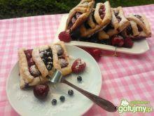 Drożdżowe ciasteczka z owocami