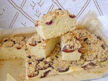 Drożdżowe ciasto śliwkowe z kruszonką cynamonową