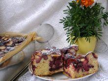 Drożdżowe leniwe ciasto z owocami