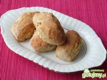 Drożdżowe pieczone kluski z jabłkami