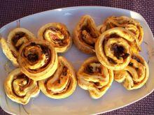 Drożdżowe ślimaczki z oregano