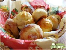 Drożdzowe ślimaczki z rodzynkami