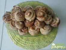 Drożdzowe ślimaczki z serem