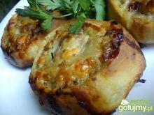 Drożdzowe ślimaki z mięsem i serem