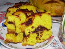 Ciasto drożdżowe z kurkumą i jagodami ciasto