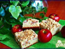 Drożdżowiec z jabłkami