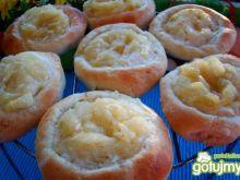 Drożdżówki z jabłuszkiem do rączki