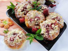 Drożdżówki z truskawkami