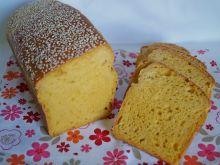 Drożdżowy chleb marchewkowy