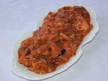 Duszona karkówka z pieczarkami i cebulą