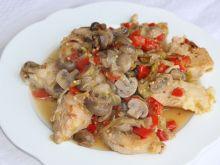 Duszona pierś kurczaka z pieczarkami