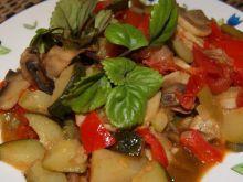 Duszone warzywa z pieczarkami