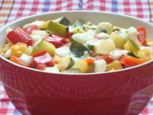 Duszone warzywa z włoskim serem