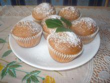 Dwukolorowe muffinki z nadzieniem różanym