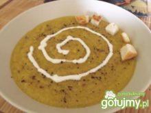 Dyniowa zupa korzenna na ostro
