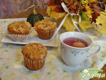 Dyniowe muffiny z orzeszkami