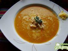 Dyniowy krem z ryżem i tartym serem