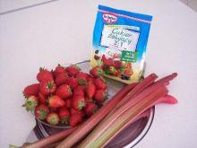 Dżem truskawkowo - rabarbarowy