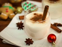 Eggnog - drink świąteczny