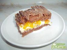 Egzotyczne ciasto z brzoskwiniami