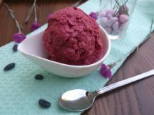 Ekspresowe lody jogurtowo-jagodowe