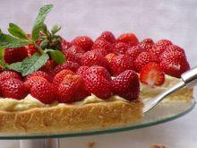 Ekspresowy deser z truskawkami