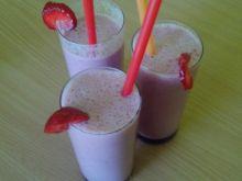 Ekspresowy koktajl truskawkowy