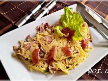 Ekspresowy omlet makaronowy