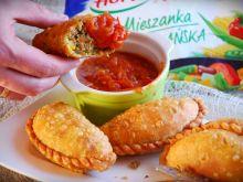 Empanadas- meksykańskie pierożki z ostrym sosem