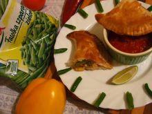 Empanadas z kurczakiem i fasolą
