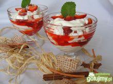 Eton Mess - deser bezowy z truskawkami