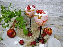 Eton mess z truskawkami i nektarynką