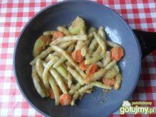 Fasolka szparagowa z marchewką i cukinią